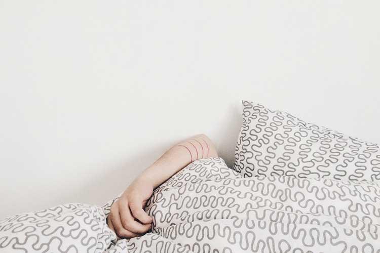 dormir fracture humérus