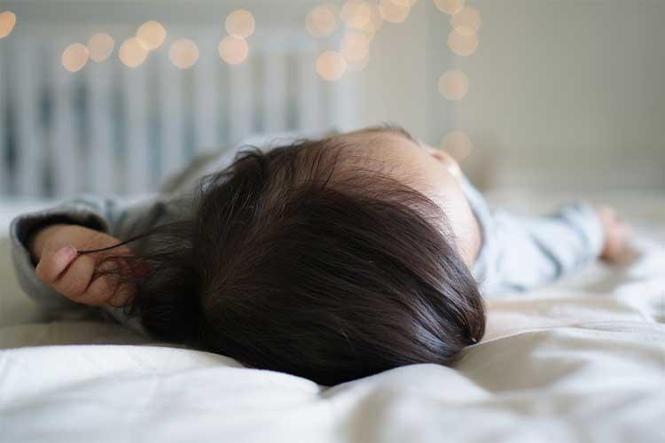 mettre-tete-lit-bien-dormir
